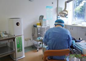 """""""让医护人员更专注,让就诊病人更放心"""" 格力杀病毒科技助力口腔医院全面复诊"""